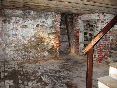 piwnica bez remontu