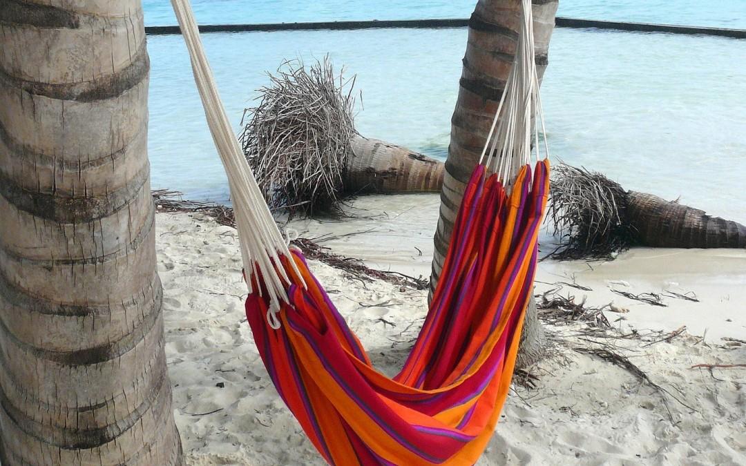 Wypoczynek jak w raju, czyli jaki hamak najlepiej wybrać?