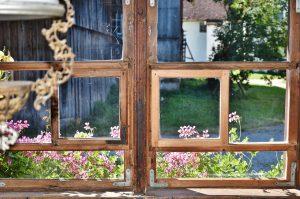 window-1594287_1280